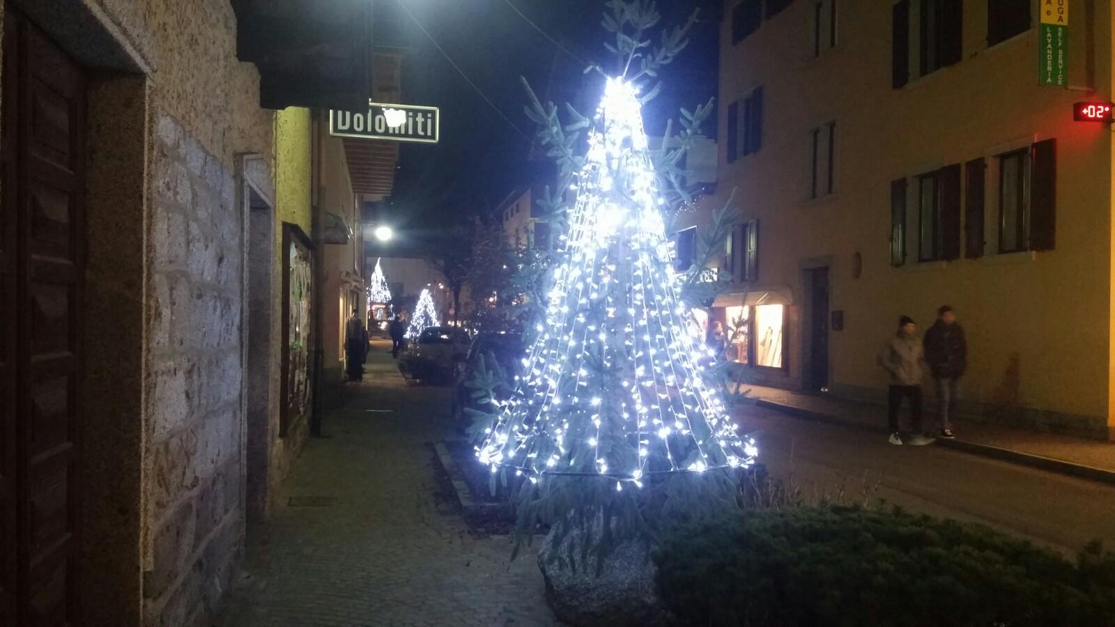 Luminarie natalizie a Pinzolo
