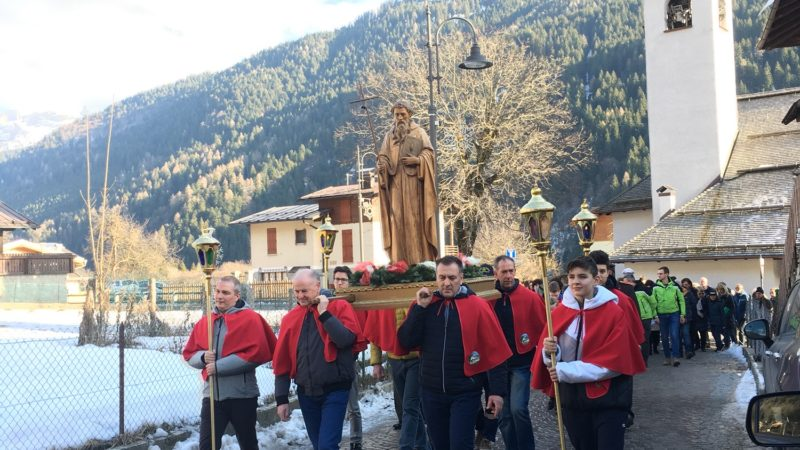 Festa del patrono, una tradizione che si rinnova e richiama ogni anno un folto pubblico  fedele custode del cuore contadino del paese