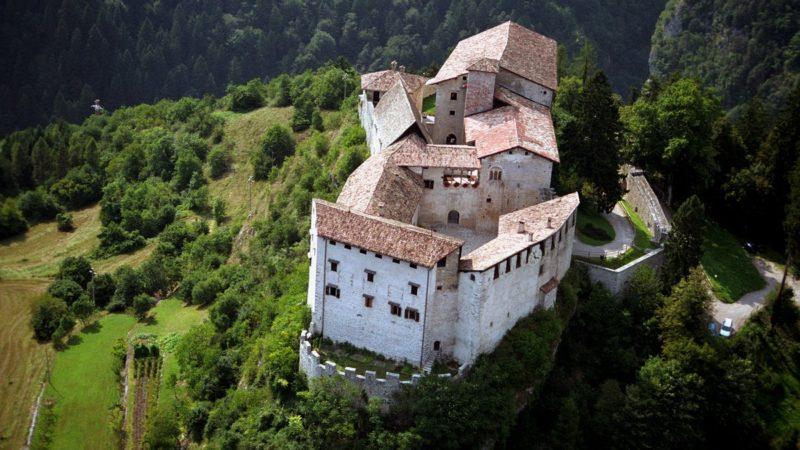 Stagione 2019 per i castelli provinciali ma non per Castel Stenico (-4,7%): visitatelo, è bellissimo!!!