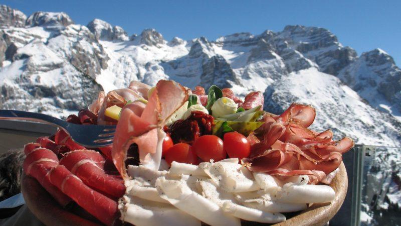 Venerdì 24 gennaio ore 18.30 – Paladolomiti: Degustazione di prodotti tipici offerta dalla Associazione Volontari Soccorso Trasporto infermi Pinzolo Alta Val Rendena
