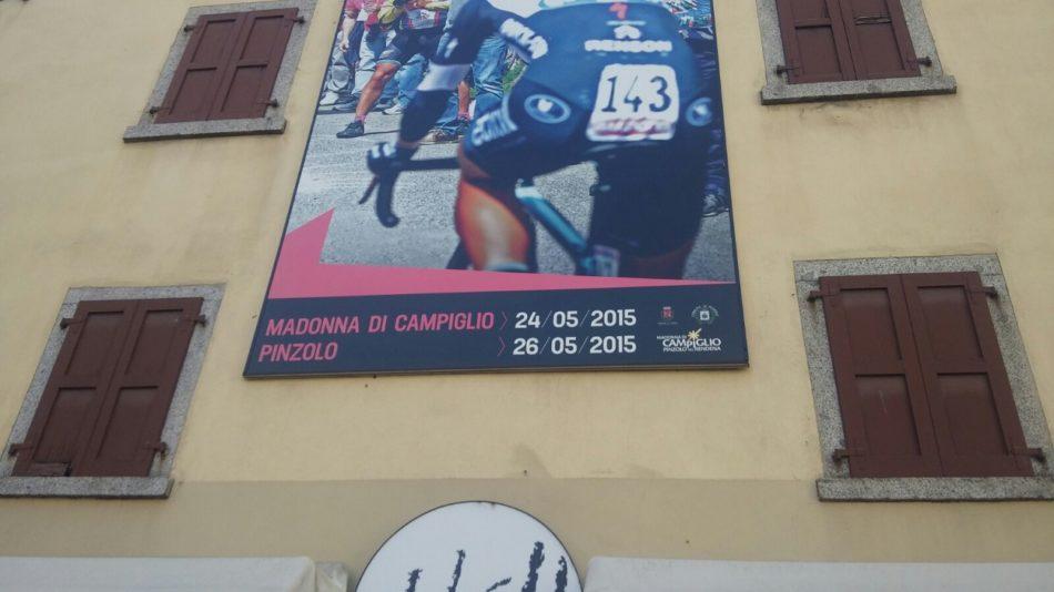 A maggio 2020 il Giro d'Italia farà di nuovo tappa a PinzoloCampiglio, ma il manifesto è ancora quello del 2015!