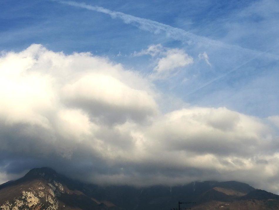 Avviso della Protezione civile del Trentino: Atteso vento forte in montagna