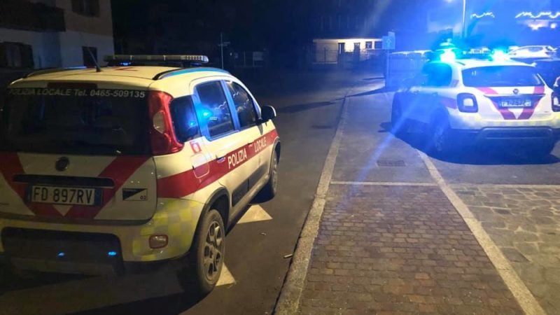 Campiglio: automobilista ubriaco e senza patente crea scompiglio in centro tentando di entrare in zona pedonale danneggiando un dissuasore