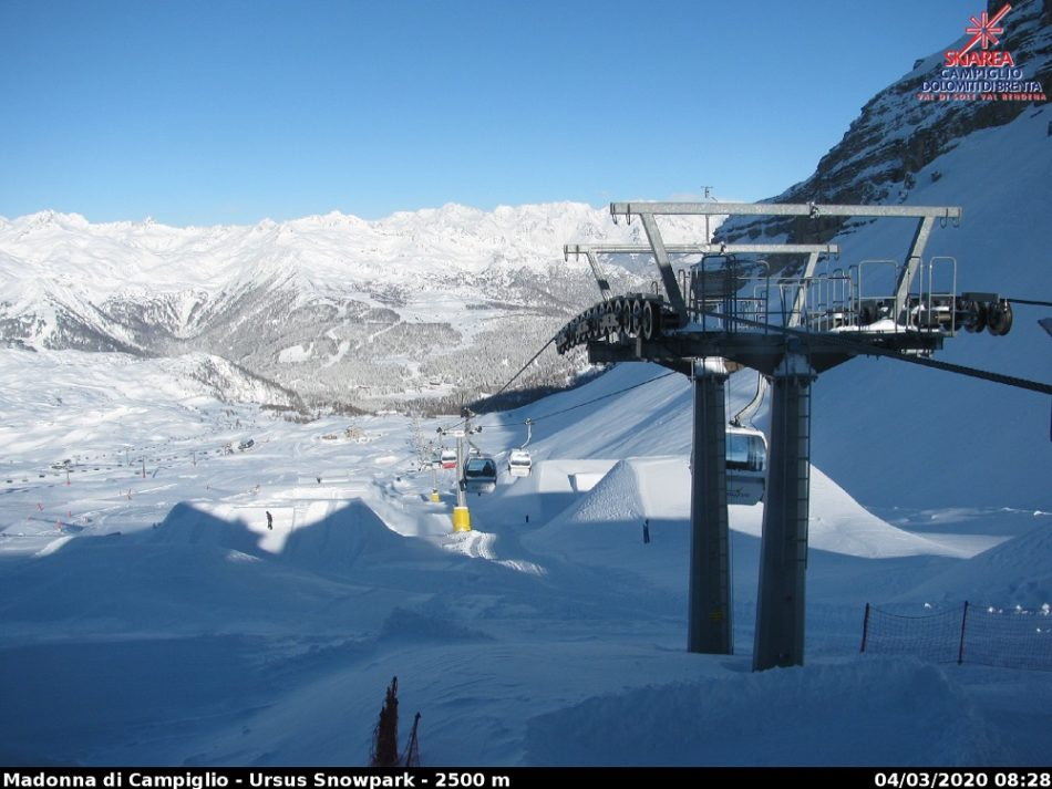Dopo la nevicata, una splendida giornata di sole nella skiarea Campiglio