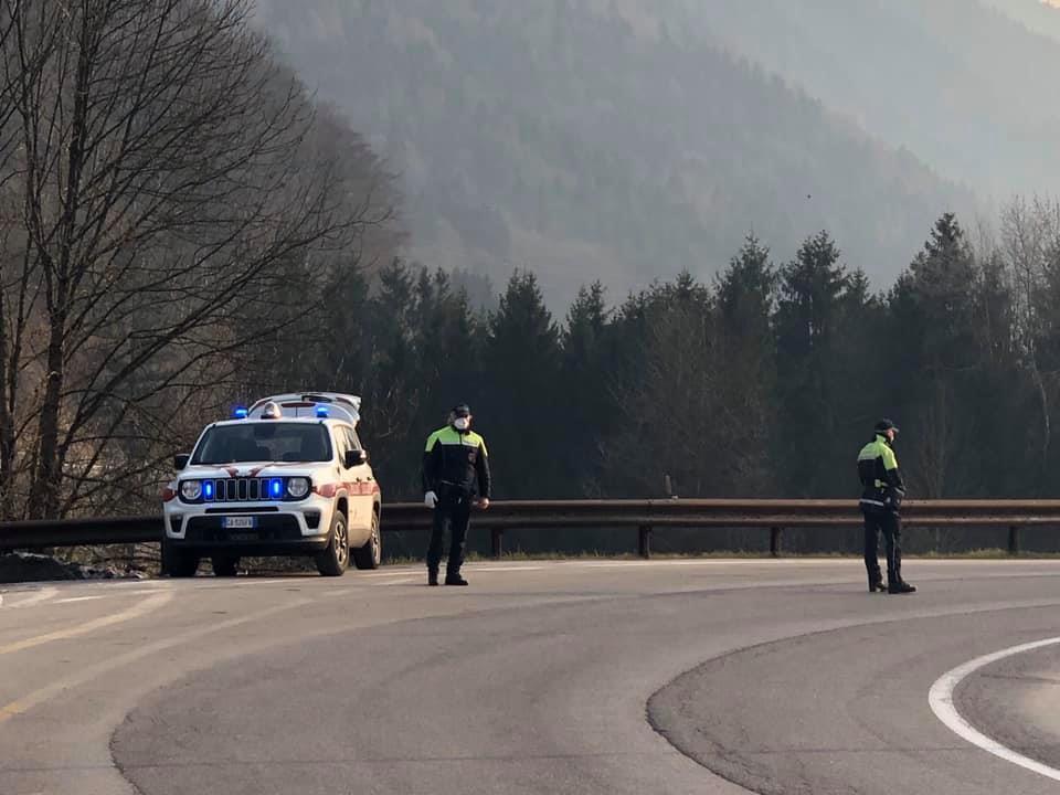 Polizia Locale – Controlli in corso lungo la #SS239. Rispettate le prescrizioni, siamo in prima linea per voi