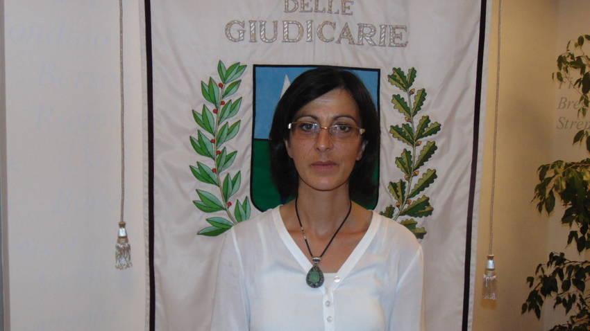 Michela Simoni: UNA COMUNITA' VICINA ALLE PERSONE