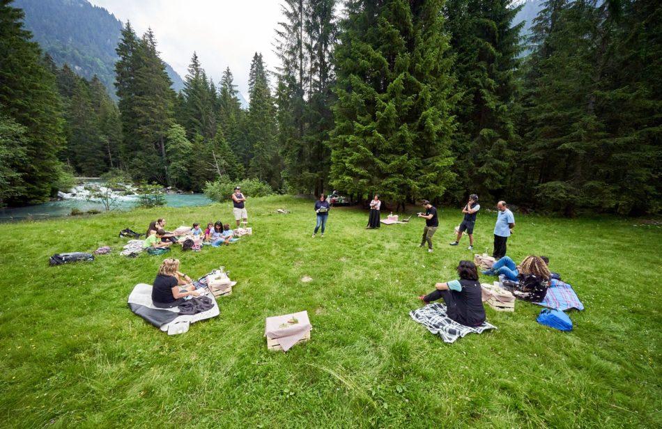 """Val Nambrone: la """"Colazione sull'erba"""" ha inaugurato il calendario delle esperienze estive"""