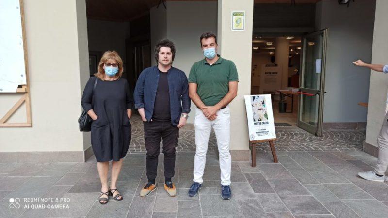 L'assessore Corradini inaugura la mostra personale dell'artista Mattia Cozzio al PalaDolomiti