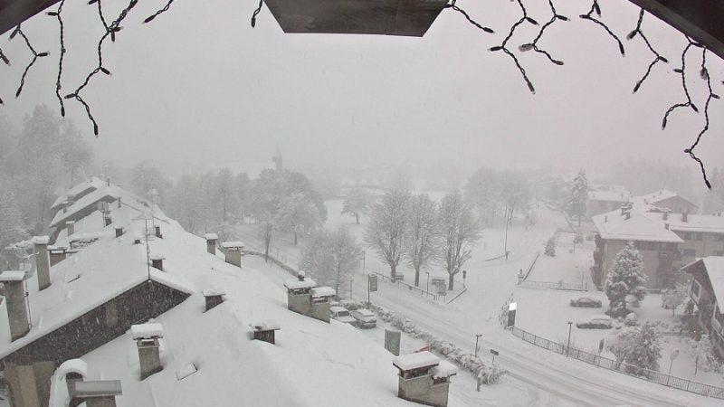 E' in corso una copiosa nevicata in tutta la skiarea Campiglio