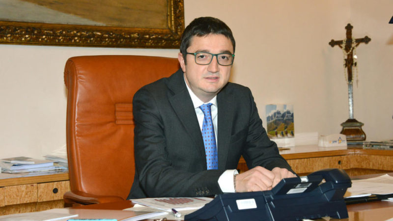 Appello del presidente Maurizio Fugatti per Pasqua. Vaccini, da mercoledì prenotazioni per gli over70