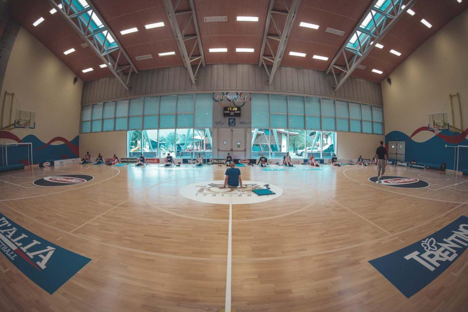Allenamento al Palazzetto dello Sport di Carisolo