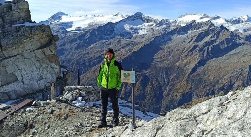 Lavori in quota: posate trecento tabelle per segnalare i confini del Parco Naturale Adamello Brenta e delle Riserve