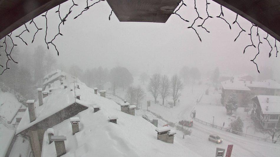 Abbondante nevicata in corso sulla Skiarea Campiglio: previsto più di mezzo metro di neve
