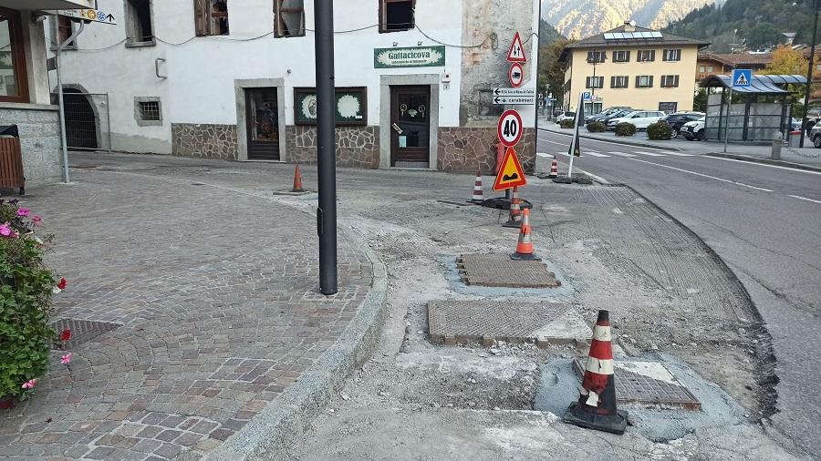 Diversi cantieri per il rifacimento dell'asfalto a Pinzolo